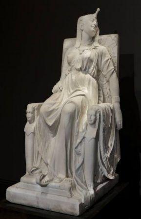 Edmonia Lewis, La Muerte de Cleopatra , tallada en 1876, mármol, Museo Smithsoniano de Arte Estadounidense, Obsequio de la Historical Society of Forest Park, Illinois, 1994.