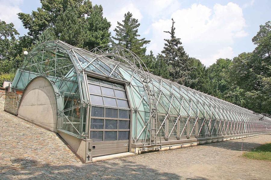 Arquitectura y mujer. Invernadero del Castillo de Praga. Eva Jiřičná