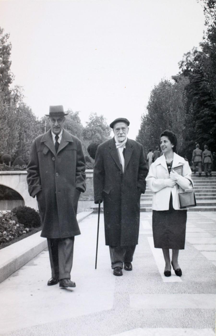 Pío Baroja en el Retiro. © Comunidad de Madrid. Subdirección General de Archivos.